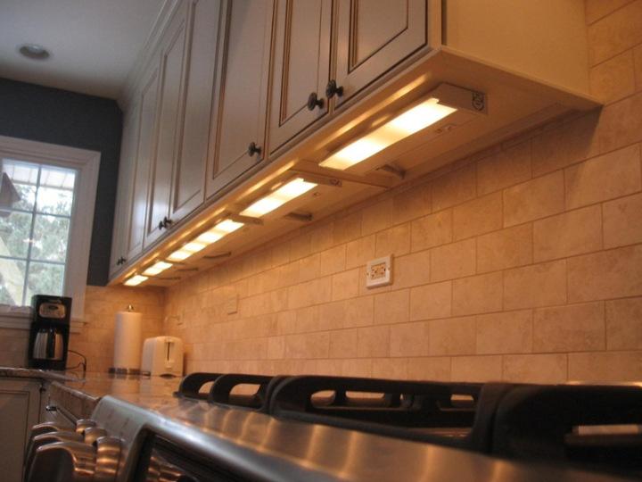 under cabinet light inspace design